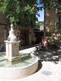 Hotel La Fontaine Saint Martin de Bromes Gréoux